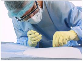 surgeon-wearing-ppe